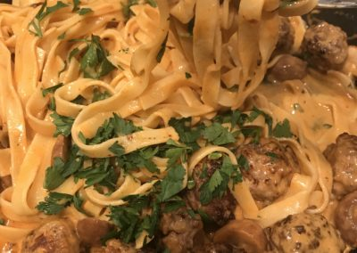 Tagliatelle with meatballs with mushrooms